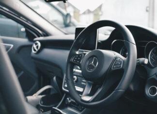 Dlaczego warto zdecydować się na zakup samochodu z salonu